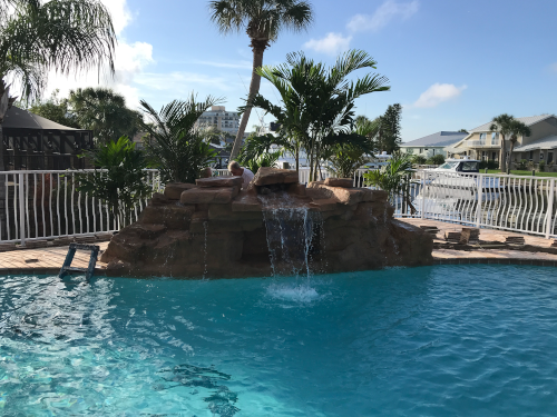 COMMERCIAL_POOL_WATERFALLS_image 500x375